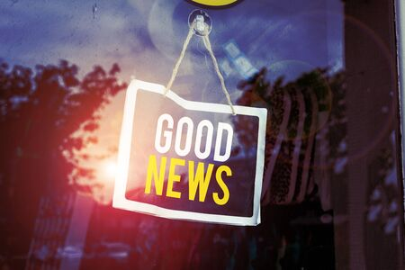 Text sign showing Good News. Business photo text Someone or something positive,encouraging,uplifting,or desirable Empty black board with copy space for advertising. Blank dark board Foto de archivo