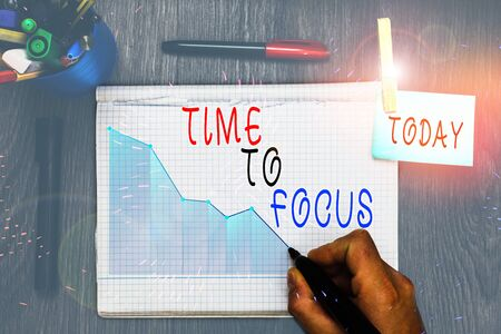 Writing note showing Time To Focus. Business concept for Give full attention to something or activity Key to success 스톡 콘텐츠
