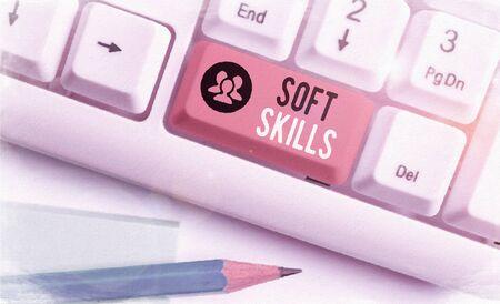 Escritura de texto Word Soft Skills. Exhibición fotográfica de negocios atributo demostrativo que apoya el conocimiento de la situación Foto de archivo