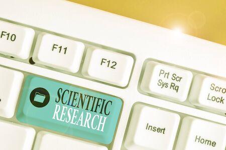 La main conceptuel montrant la recherche scientifique. Sens Concept étude méthodique pour prouver ou réfuter une hypothèse