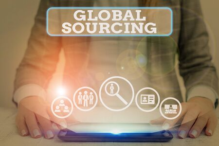 Word writing text Global Sourcing. Business photo showcasing practice of seeking goods and services beyond one borders Foto de archivo
