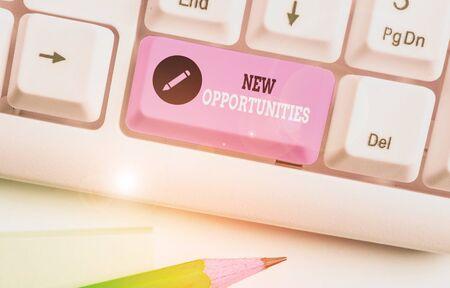 Escritura a mano conceptual mostrando nuevas oportunidades. Concepto Significado situación que permite hacer algo