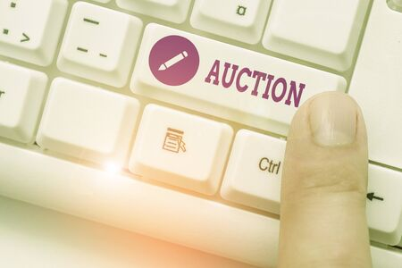 Handwriting text Auction. Conceptual photo Public sale Goods or Property sold to highest bidder Purchase Banque d'images