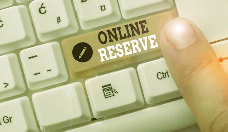 Word writing text Online Reserve. Business photo showcasing enables customers to check availability and book online Archivio Fotografico