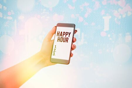 Handwriting text Happy Hour. Conceptual photo when drinks are sold at reduced prices in a bar or restaurant Standard-Bild