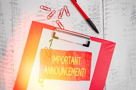 Text sign showing Important Announcement. Business photo showcasing spoken statement that tells showing about something Clipboard paper sheet clips ballpoint crushed note old vintage background 版權商用圖片