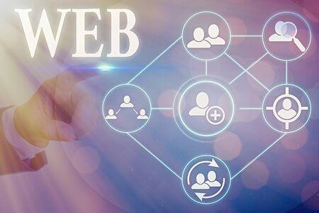 La main conceptuel montrant Web. Concept signifiant un système de serveurs Internet qui prennent en charge des documents formatés spécialement Banque d'images
