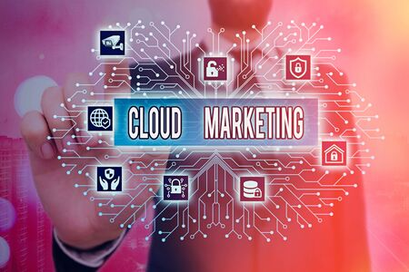 Écrit remarque montrant Cloud Marketing. Concept d'entreprise pour le processus d'une organisation pour commercialiser ses services
