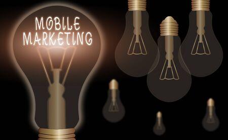 Écrit remarque montrant le marketing mobile. Concept d'entreprise pour la technique axée sur l'atteinte du public sur leur appareil intelligent