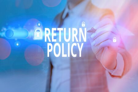 Writing note showing Return Policy. Business concept for Tax Reimbursement Retail Terms and Conditions on Purchase Banque d'images