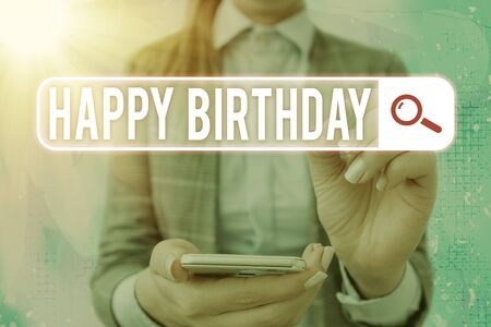Text sign showing Happy Birthday. Business photo text The birth anniversary of an individual is celebrated with presents Banque d'images