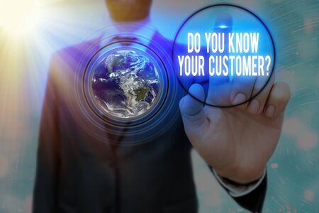 Writing note showing Do You Know Your Customer Question. Business concept for service identify clients with relevant information Foto de archivo