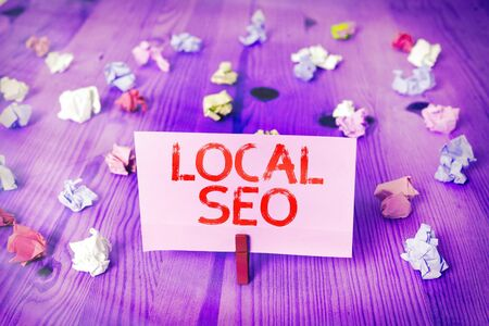 Handwriting text Local Seo. Conceptual photo helps businesses promote products and services to local customers Banque d'images
