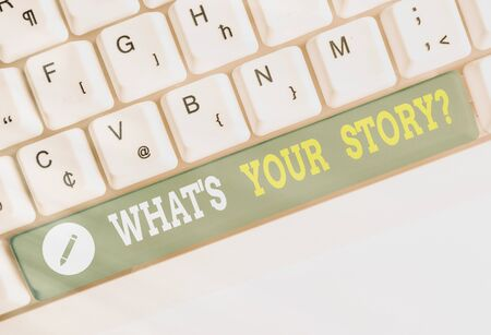 Writing note showing Whats Your Storyquestion. Business concept for manner of asking an individual about past life events Banque d'images