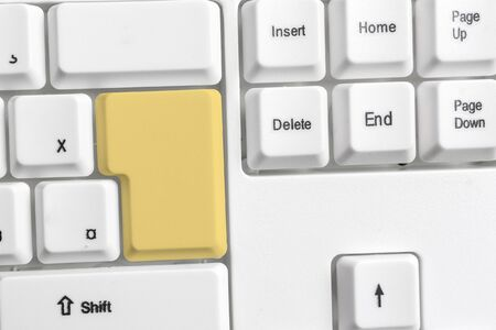 Pc Keyboard Key With Empty Note Paper Above Copy Space Stockfoto