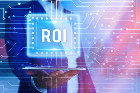 Text sign showing Roi. Business photo showcasing performance measure used to evaluate the efficiency of an investment Banque d'images - 149397047