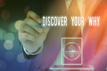 Writing note showing Discover Your Why. Business concept for knowing the reason and purpose of one self s is existence Banque d'images - 149397049