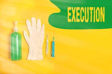 Word writing text Execution. Business photo showcasing it executes or imposes a program order or course of action Primary medical precautionary equipments for health care protection Stockfoto