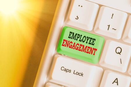 Text sign showing Employee Engagement. Business photo showcasing extent to which workers feel passionate about their jobs Zdjęcie Seryjne