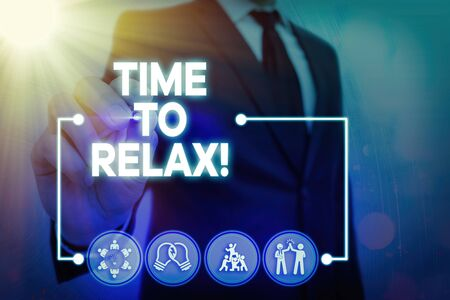 Writing note showing Time To Relax. Business concept for resting and keep calm after doing something tiring or stress Banque d'images