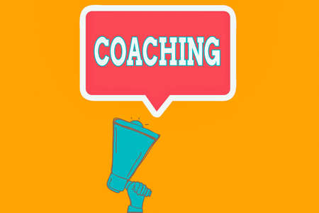 Writing note showing Coaching. Business concept for to instruct, direct, or prompt as a coach to subordinates Hu analysis Hand Holding Upward Megaphone Speech Bubble Banque d'images
