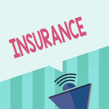 Word writing text Insurance. Business photo showcasing coverage by contract whereby one party undertakes to guarantee Megaphone Halftone with Sound icon and Blank Geometric Speech Bubble Banque d'images