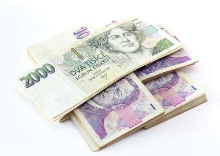 チェコの銀行券の公称値の 1 つと 2 つの千王冠白い背景の上