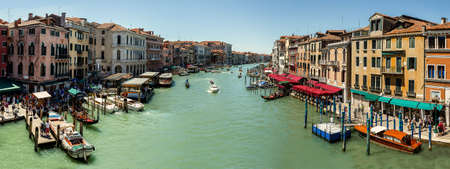 16 2012 年 7 月月日-イタリア、ヴェネツィアの大運河のパノラマ