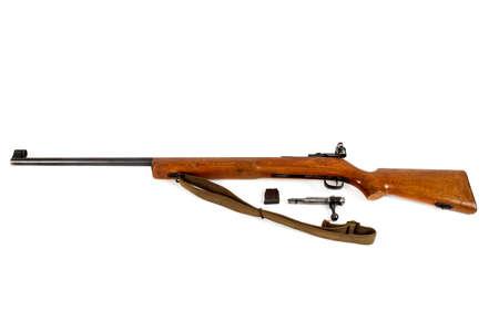 enfield: vecchio bolt action fucile isolato su sfondo bianco