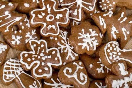 spicecake: casa peque�a hecha tortas de Navidad close up Foto de archivo