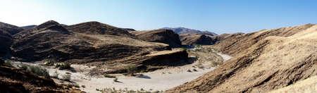 paisaje lunar: fantrastic Namibia paisaje paisaje lunar, cerca de la ciudad de la bah�a de Walvis, Kuiseb Canyon