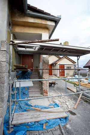 new look: Construction or repair of the rural house, fixing facade, insulation and using color for new look