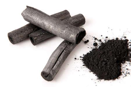 竹炭を燃やしたとパウダー。 写真素材
