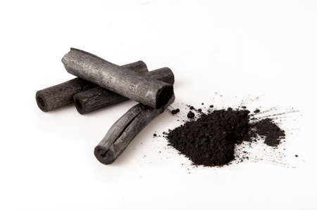 Le charbon de bambou a brûlé. Banque d'images - 80428576