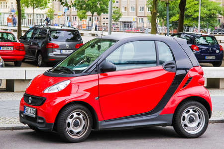 smart: BERLIN, GERMANY - SEPTEMBER 11, 2013: Motor car Smart City Coupe at the city street. Editorial