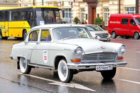 museum rally: MOSCOW, RUSSIA - JUNE 3, 2012: Soviet motor car GAZ 21 Volga competes at the annual L.U.C. Chopard Classic Weekend Rally. Editorial