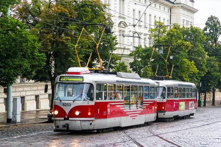 empedrado: PRAGUE, CZECH REPUBLIC - JULY 21, 2014: Tramway Tatra T3R in the city street.