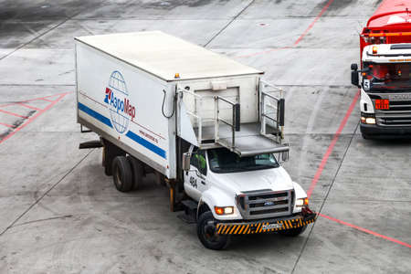 Moscow, Russia - November 20, 2018: Airline catering tuck Ford F-750 Super Duty in the Sheremetyevo International Airport. 에디토리얼