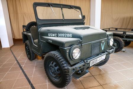 Merzouga, Marruecos - 25 de septiembre de 2019: camión táctico ligero militar estadounidense M422 Mighty Mite en el Museo Nacional del Automóvil 4x4 de Marruecos.