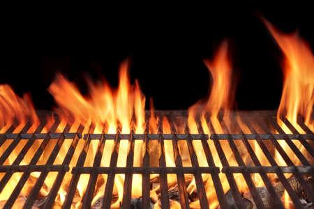Barbecue Fire Grill close-up, geïsoleerd op zwarte achtergrond