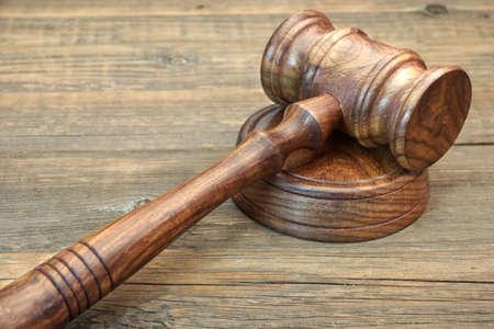 martillo juez: Los jueces de madera Mazo y Soundboard Primer en Grunge Madera Mesa
