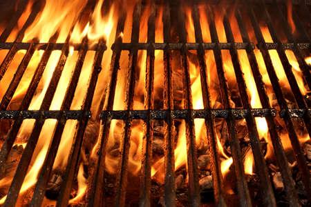 Flaming fondo de la textura de barbacoa Parrilla de carbón vacía Foto de archivo - 40953607