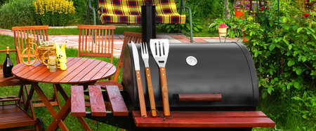 lawn party: Outdoor Summer Weekend BBQ Grill Party Or Family Lunch Or Cookot Food Or Picnic Concept