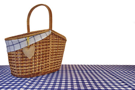 pic nic: Picnic Basket On The Blue Checkered Tablecloth Isolated On White Background