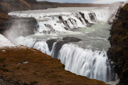 Gullfoss, amazing and giant icelandic waterfall in autumn 版權商用圖片