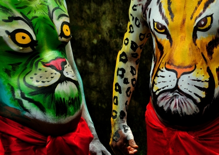 body painting of tiger photo