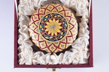 Benjarong en coffret cadeau, en c�ramique avec complexe con�u � partir de la Tha�lande