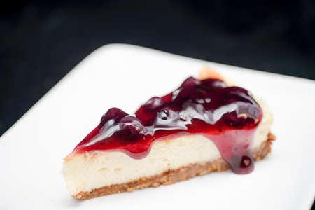 blueberry pie: pastel de ar�ndanos en el plato