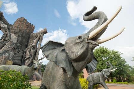 pattani thailand: Estatua de elefante en zool�gico de Tailandia Korat Foto de archivo