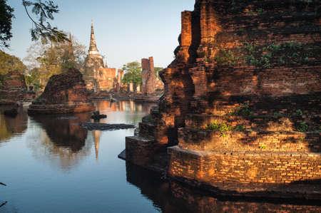 thailand flood: Mega flood at ancient temple in Ayuttaya historical park,Middle of Thailand.